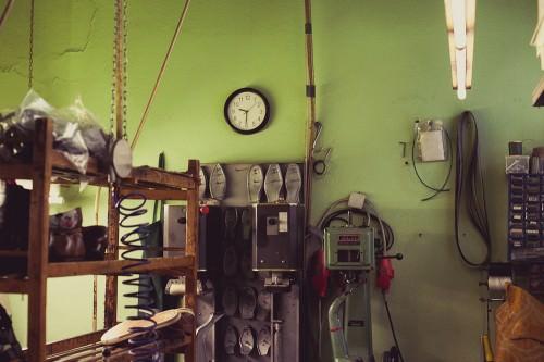 Schuhmacherei: Die Uhr