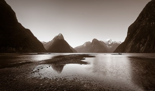 Far Away - Milford Sound - Copyright (c)2008 by Frank Lüdtke. All rights reserved.