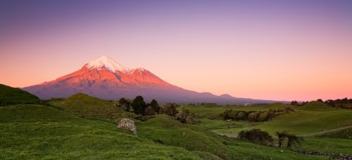 Mount Taranaki - Copyright (c)2007 by Frank Lüdtke. All rights reserved