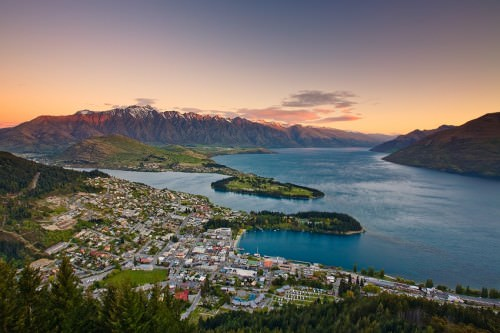 Queenstown - Copyright (c)2008 by Frank Lüdtke. All rights reserved.