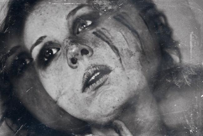 She Is Broken © Laura Callsen