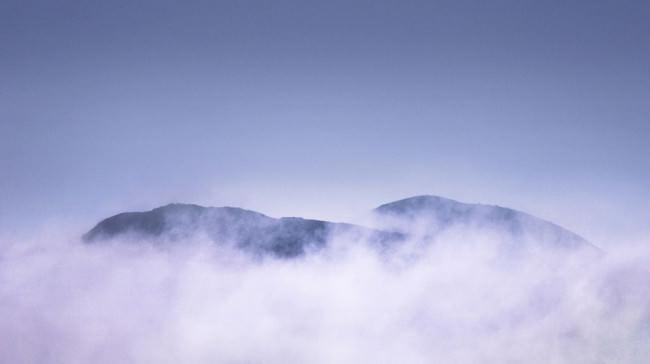 Cloud Mountain Tops © Matt Hill