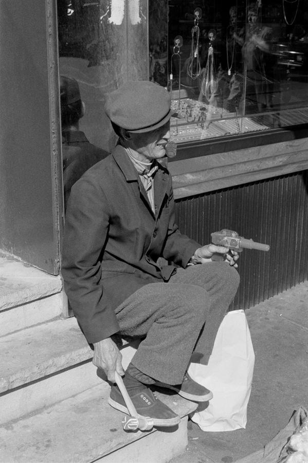 Chinese Street Vendor © Jörg Rubbert