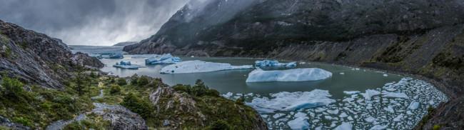 Patagonien: Torres del Paine, Gletschersee © Helmut Steiner