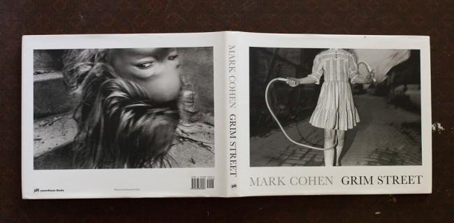 Mark Cohen, Grim Street © Mark Cohen