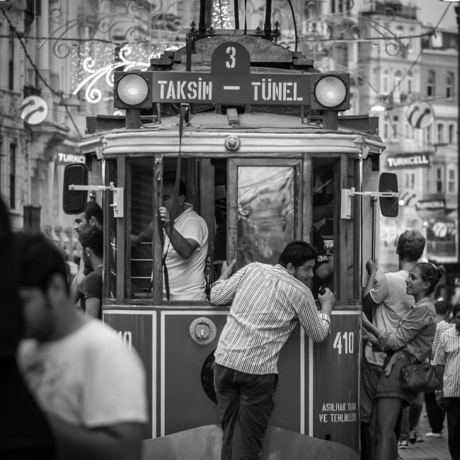 Hoffnungslos überfüllte Verkehrsmittel sind in Istanbul die Regel © Thomas Braun