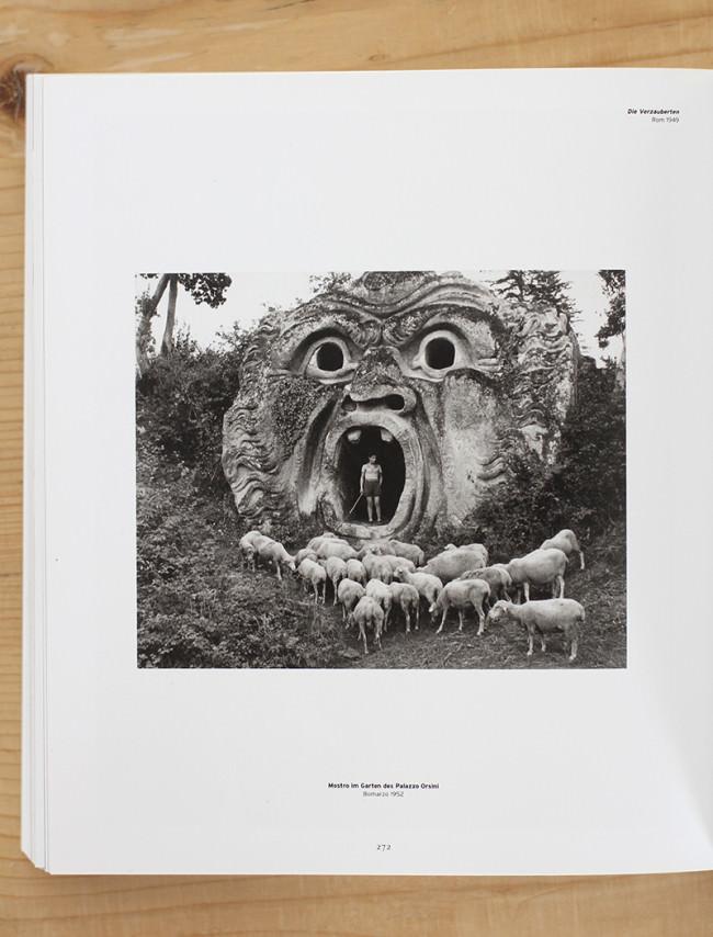 Mostro im Garten des Palazzo Orsini © Herbert List