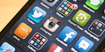 Social Phone (c) Sebastian Baumer