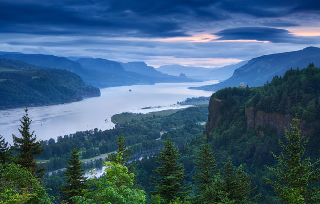 Columbia River Blues © Michael Breitung