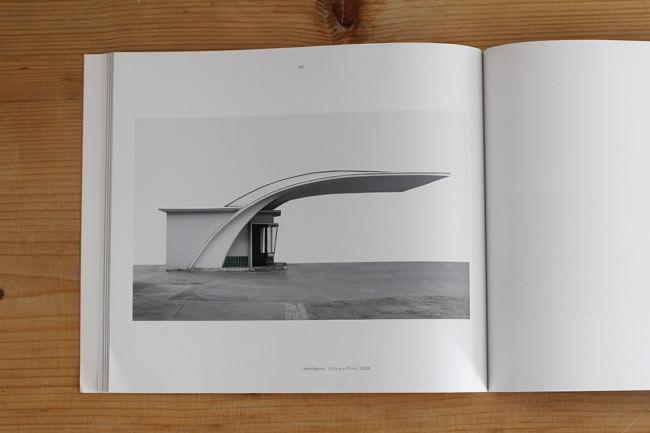 """Tankstelle Hannover aus Tim Hölschers Buch """"Experimentelle Wege zum Bild"""""""