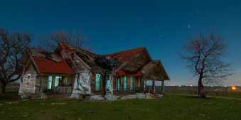 Noel Kerns, Langzeitbelichtung, Light-Painting, Mondlicht, Mond, Vollmond, Architektur, Abstrakt, Farbe, Nacht, Landschaft, Baum, Hütte. Haus