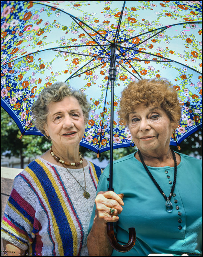 2 women NYC 1988 © Mike Peters