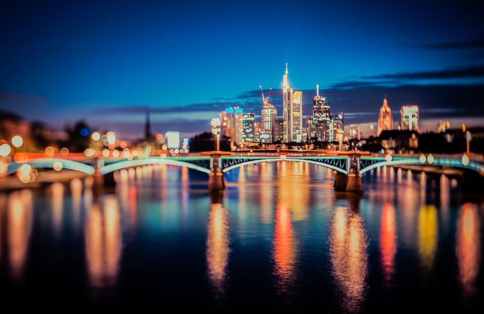 Frankfurt, Nacht, Nachaufnahme, Tiltshift, Tilten, Langzeigbelichtung