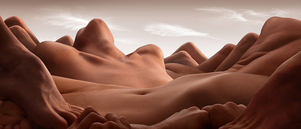 The Valley Of the Reclining Woman © Carl Warner