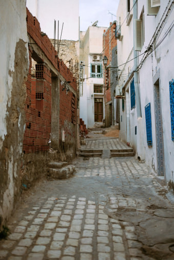Gasse in Sousse, Tunesien