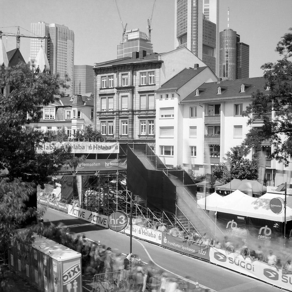 Langzeitbelichtung vom Untermainkai in Frankfurt.
