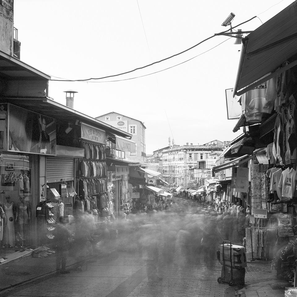 60-Sekunden-Aufnahme in der Mahmutpasa Yokusu Sokak in Istanbul.