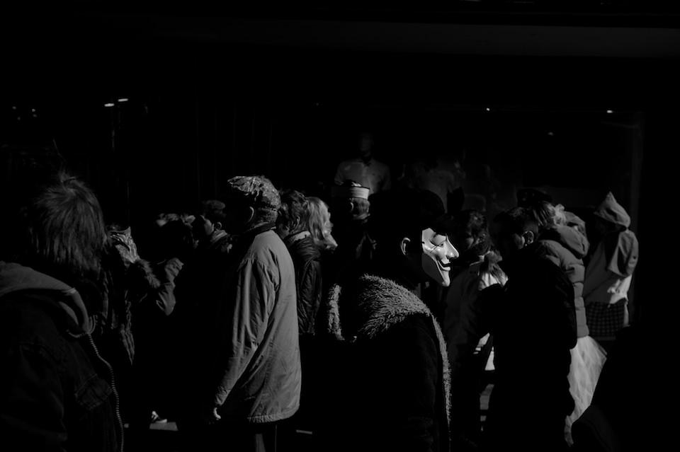 Straßenfotografie: Blick in eine Menschenmasse.