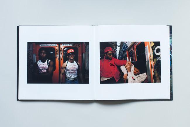 Menschen in der U-Bahn von New York City