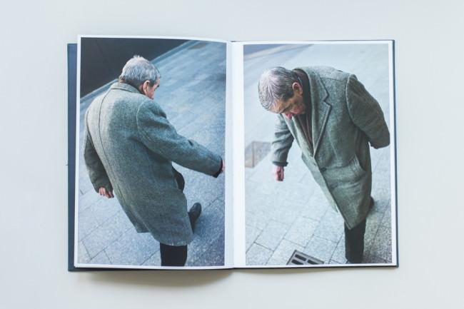 Eine Person, zwei Mal aus unterschiedlichen Perspektiven fotografiert.
