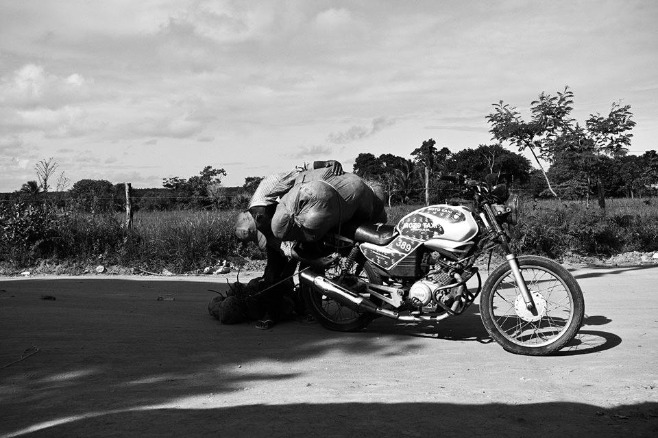 Ein sehr voll gepacktes Motorrad.