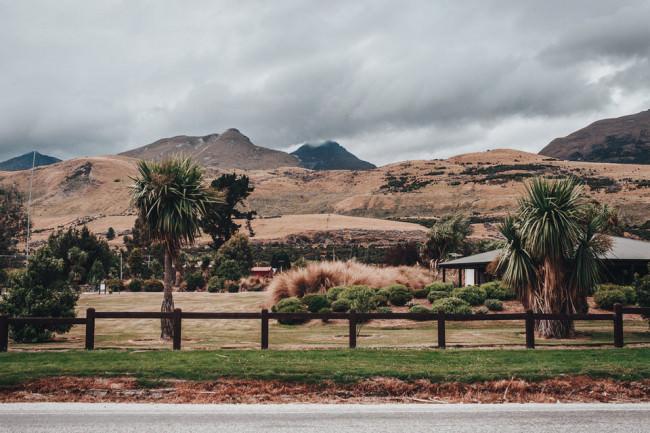 Berglandschaft mit Palmen