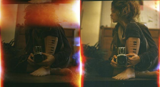 Zwei Bilder, auf denen man ein Menschen mit aufgemalter Klaviertastatur auf dem Bein sieht.