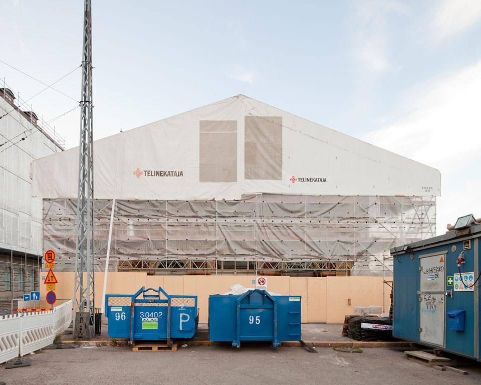 Verhülltes Haus in Helsinki