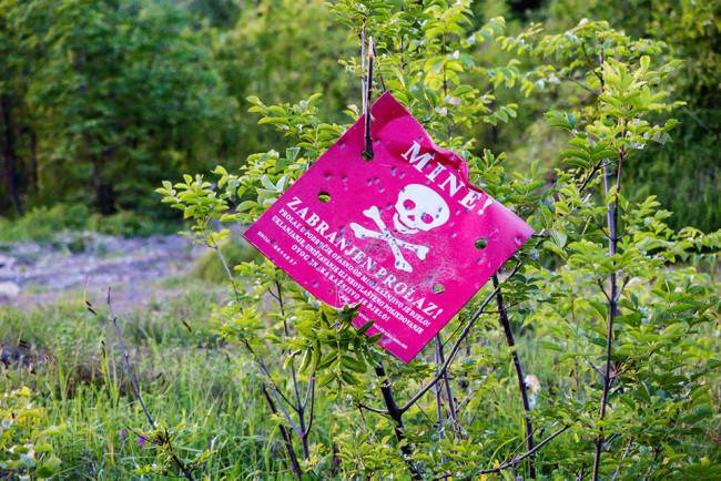 Vorsicht Minen-Schild.