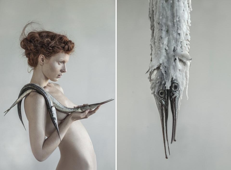 Portrait einer Frau mit Fischen.