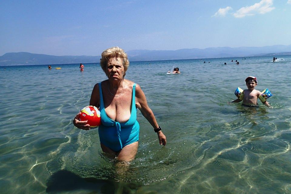 Omas Am Strand