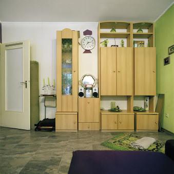 Wandschrank in einem Wohnzimmer