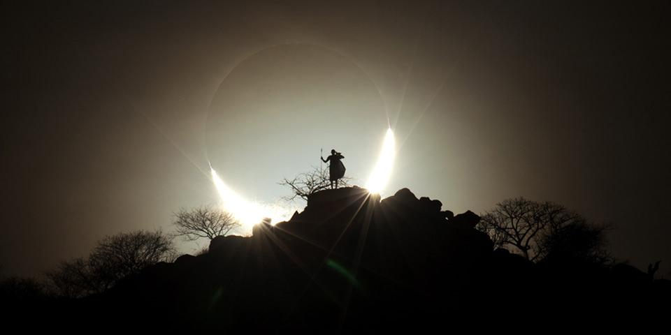 Hybrid Solar Eclipse © Eugen Kamenew