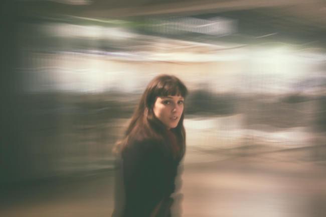 Portrait in Bewegung, nachbearbeitet in Photoshop.