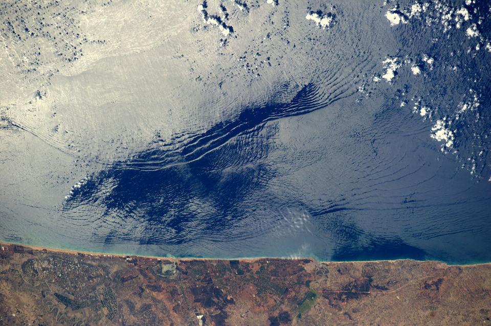 Atlantikwellen von oben