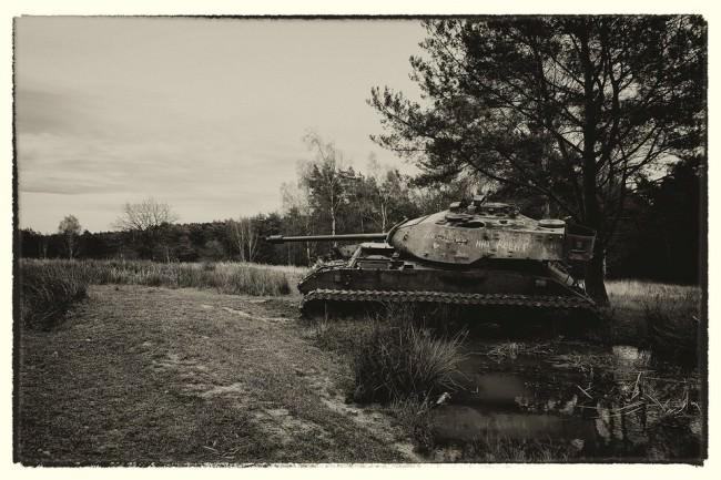 Panzer in Sepiatonung.