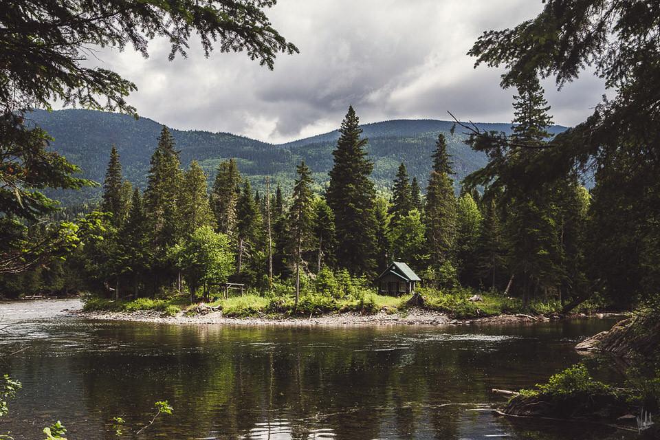 Ein Waldsee.