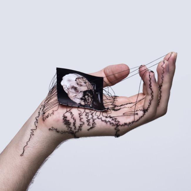 Vernähte Hände