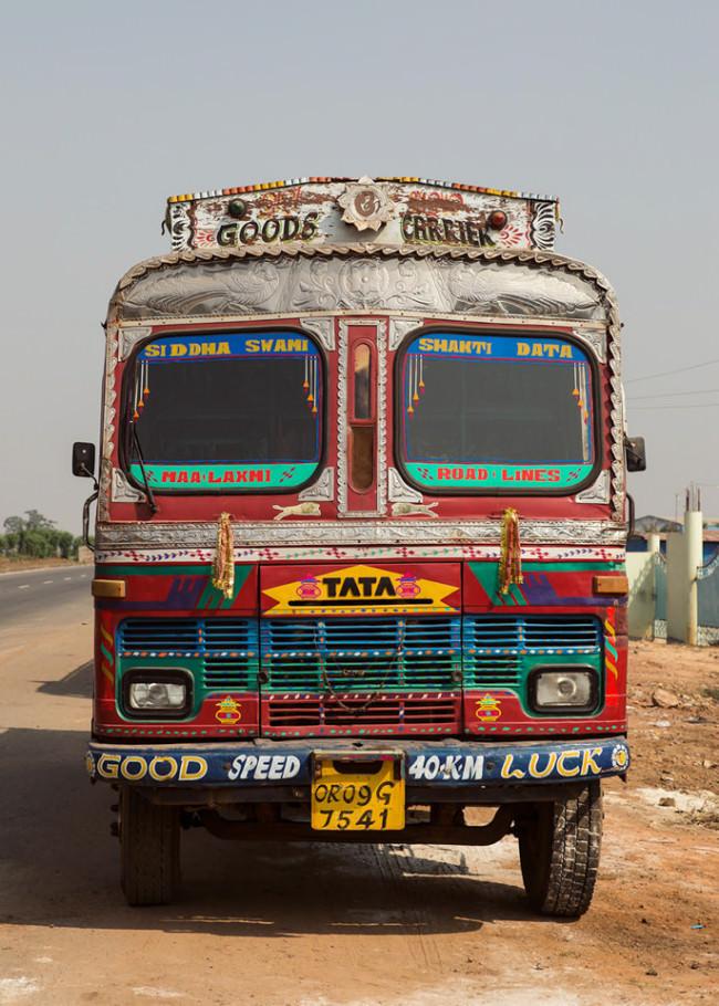 Ein bunter Lastwagen
