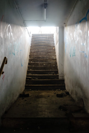 Eine Treppe in einem Lost Place