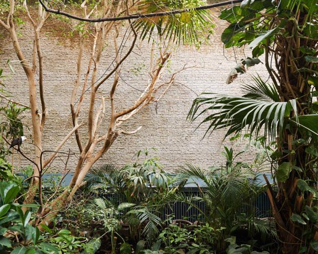 Tropengehege in einem Zoo