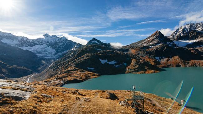 Bergsee in Österreich mit Alpen