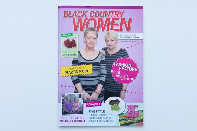 Titelseite des Magazines Black Country Women von Martin Parr