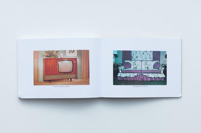 Beispielseite des Buches Boring Postcards USA von Martin Parr