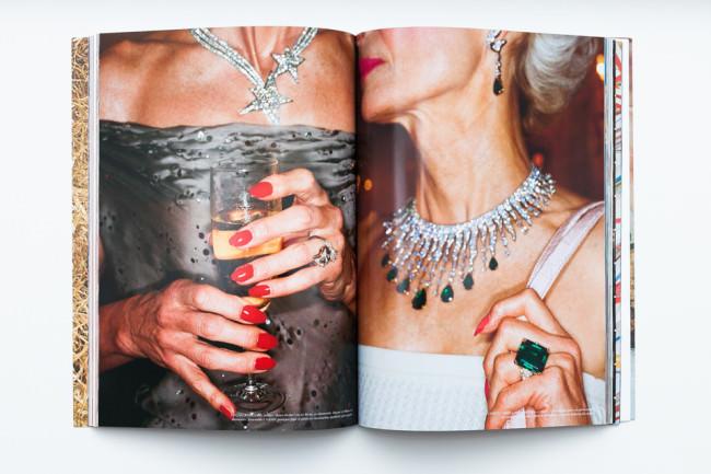 Beispielseite des Bandes Fashion Magazine von Martin Parr
