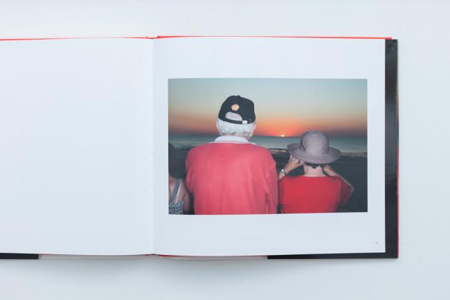 Beispielseite des Buches No Worries von Martin Parr