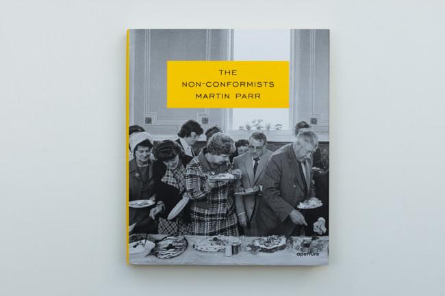 Titelseite des Buches The Non-Conformists von Martin Parr