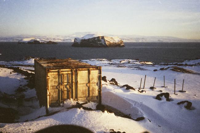 Container im Schnee