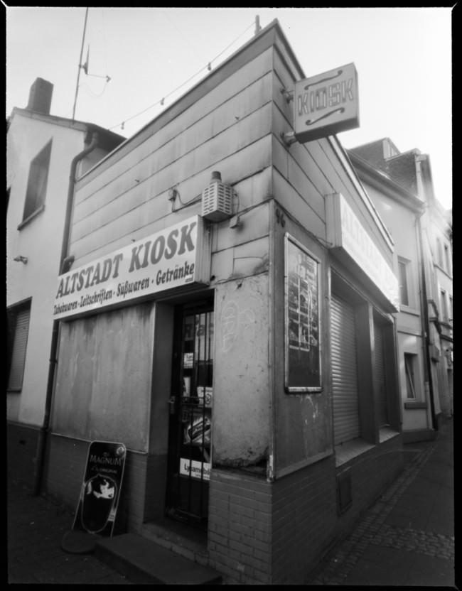 Straßenecke mit Kiosk