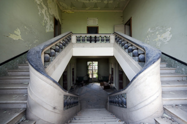 Verfallenes Treppenhaus.